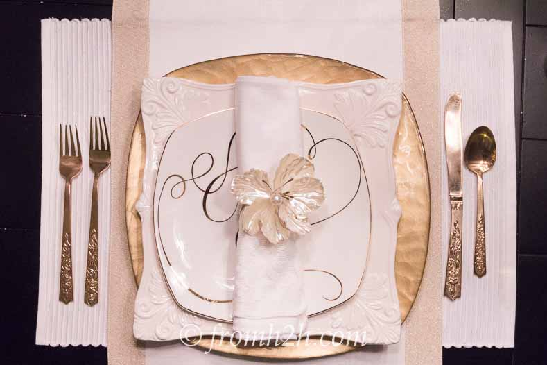 Adding an accent plate and runner gives the table setting a little more pizzazz | 5 No-Fail Ways to Create Beautiful Table Settings