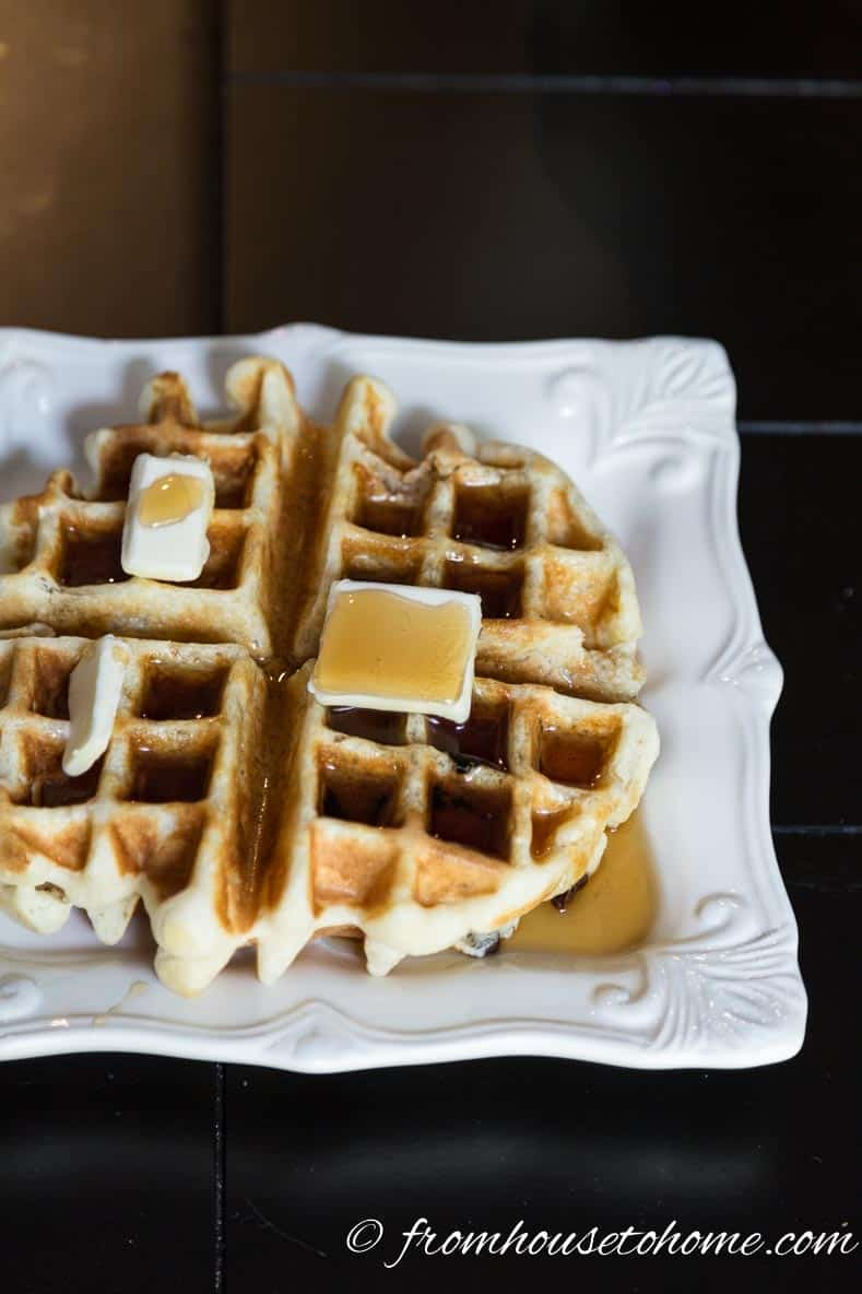 Make-it-yourself waffle | Tips for hosting a stress-free brunch | If you're going to be hosting a brunch and want some ideas for pulling it off without causing yourself too much stress, these tips will definitely help!
