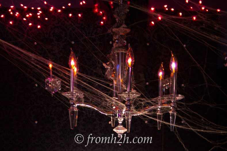 Halloween haunted house chandelier with flicker flame bulbs