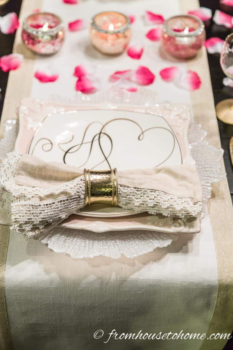 Valentine's Day Place Setting | How to create a romantic Valentine's Day table setting