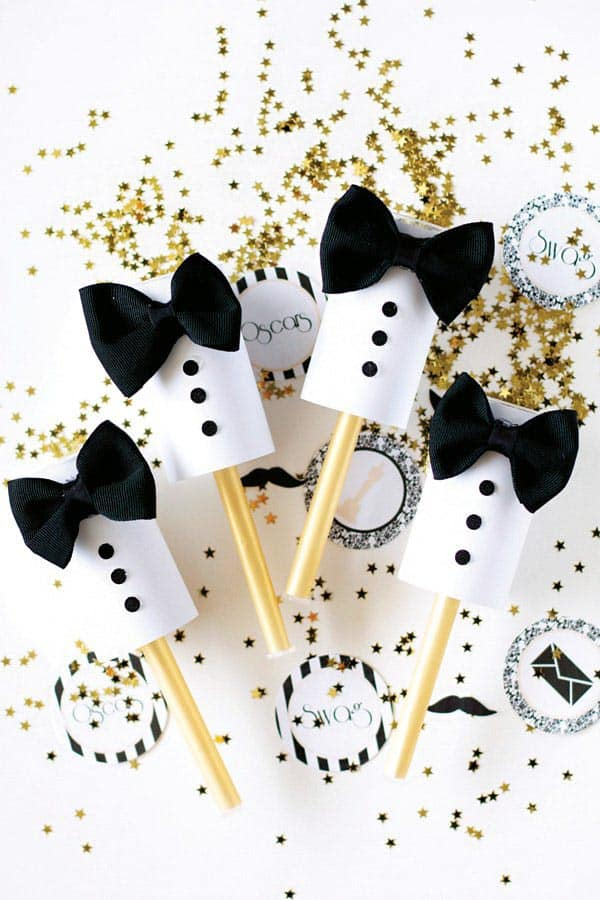 DIY Tuxedo Poppers (from hwtm.com) | 15 Fabulous Oscar Party Ideas