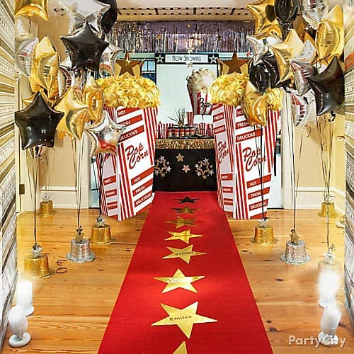 Red carpet with stars (from partycity.com) | 15 Fabulous Oscar Party Ideas