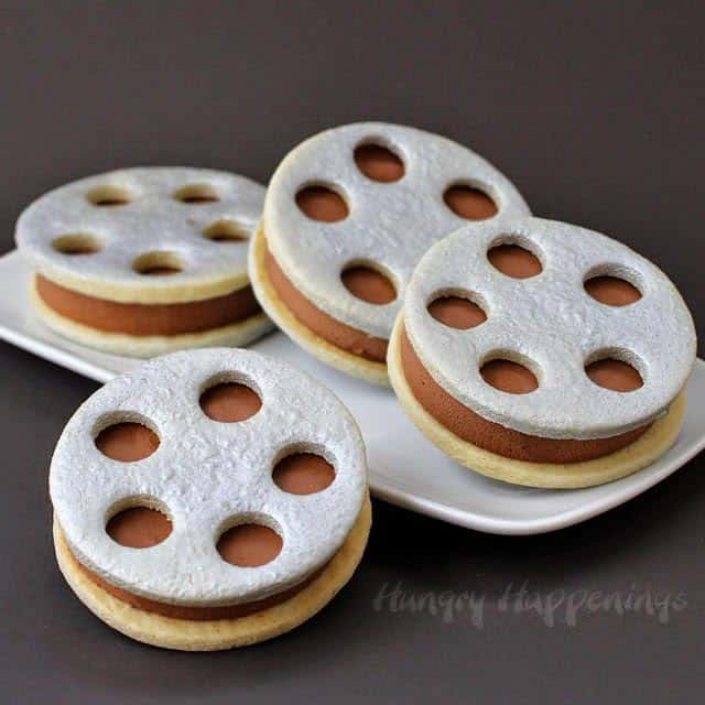 Film Reel Ice Cream Sandwiches (from hungryhappenings.com) | 15 Fabulous Oscar Party Ideas