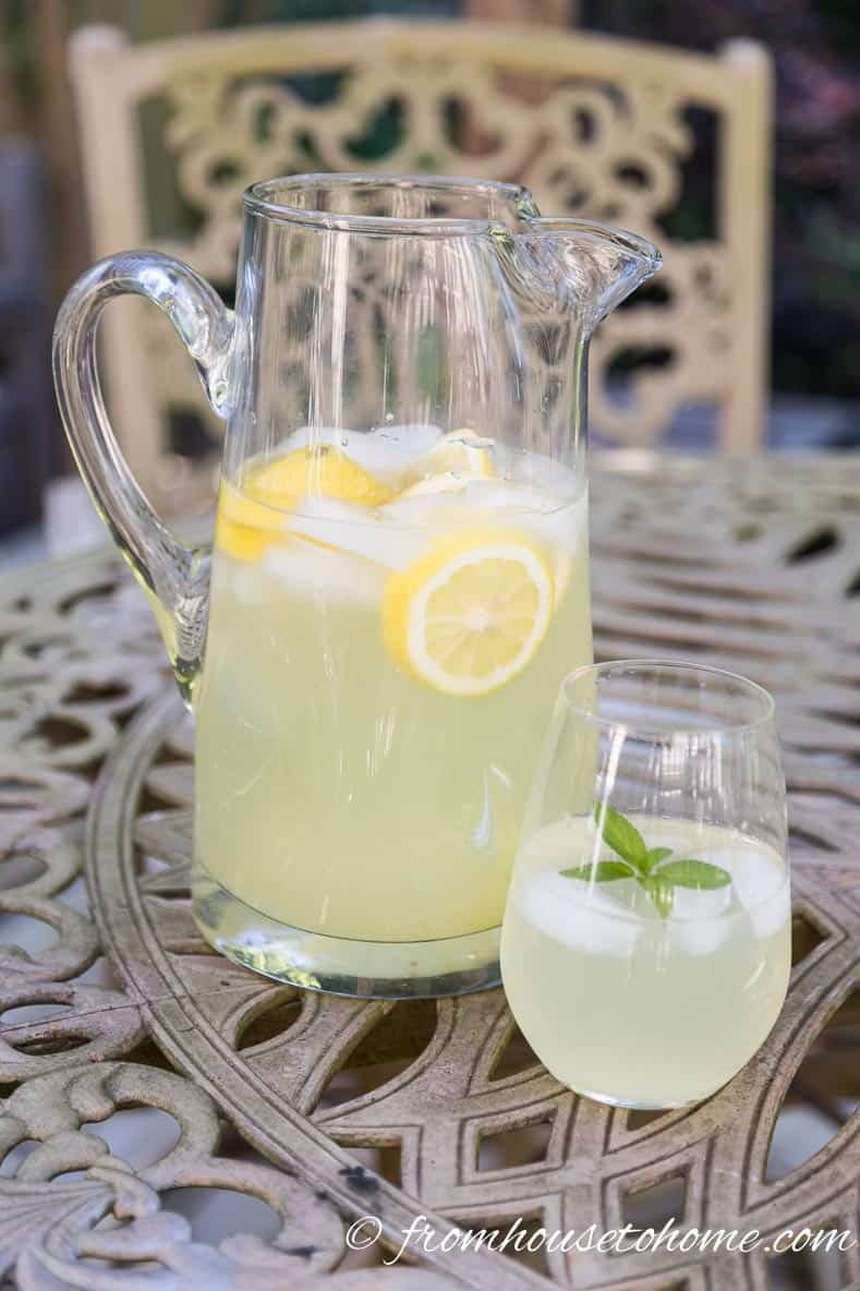 Homemade Lemonade | Easy and Elegant 4th of July Party Ideas | If want some 4th of July party ideas, this list will help with food, desserts and decorations...everything for the ultimate Independence Day celebration!