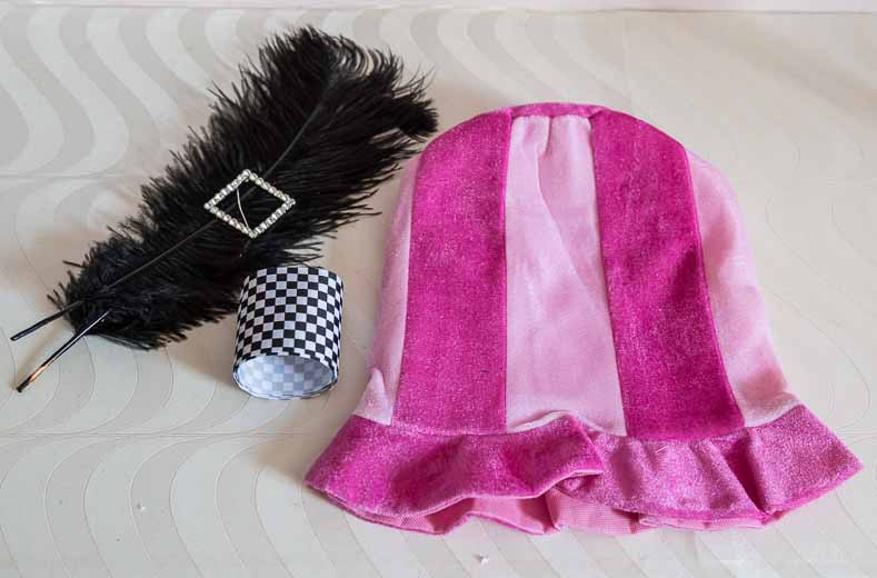 e9fa13233 How To Make Mad Hatter Hat Centerpieces - Entertaining Diva @ From ...