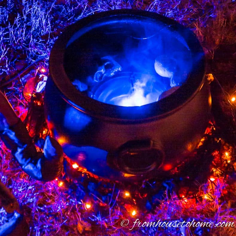 DIY witches cauldron Halloween lighting effect