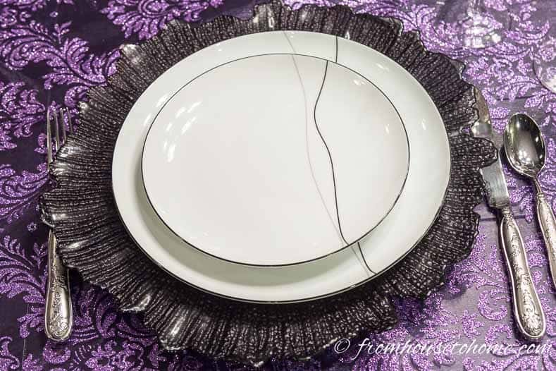 Purple thanksgiving table black and white plates