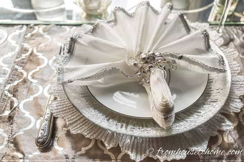 Alternate silver and white plates | Silver and White Winter Table Setting