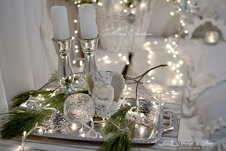 Christmas tray via nellyvintagehome.blogspot.com | Easy Last Minute Christmas Table Ideas