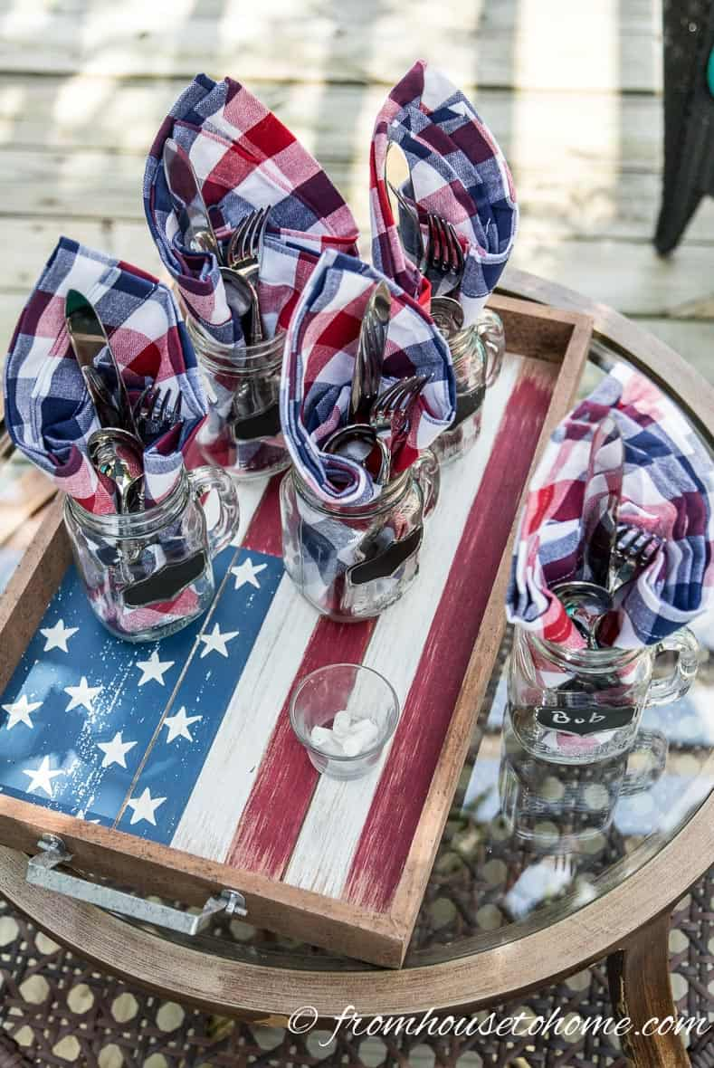An American Flag tray adds to the 4th of July outdoor decorations
