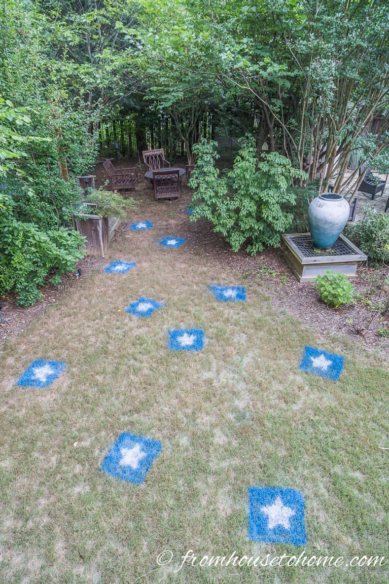 Painted lawn stars bring the 4th of July decor out into the yard