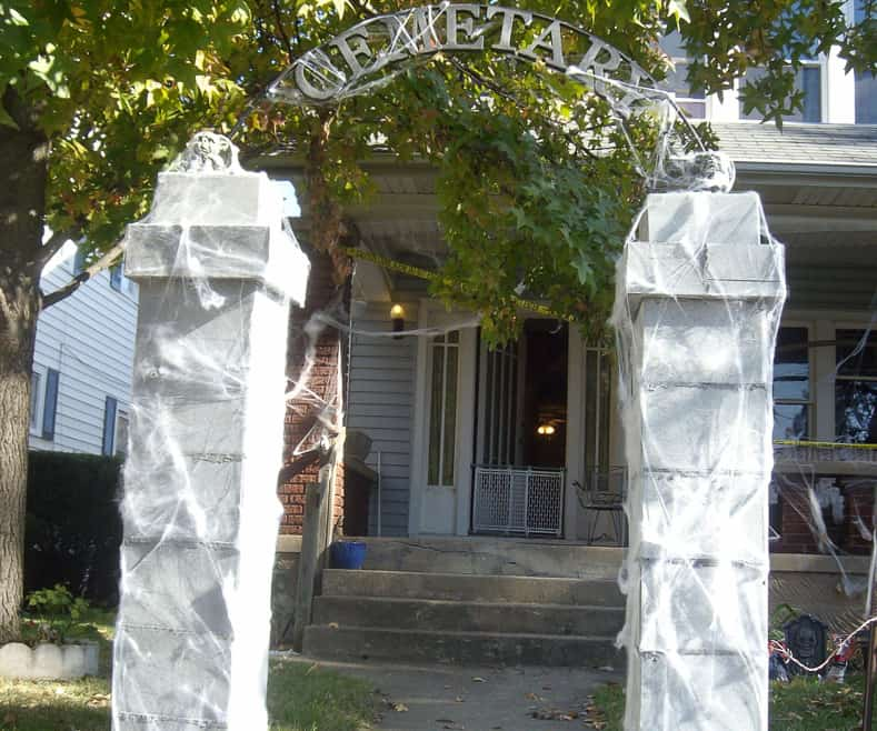 DIY Halloween cemetery archway entrance, via instructables.com