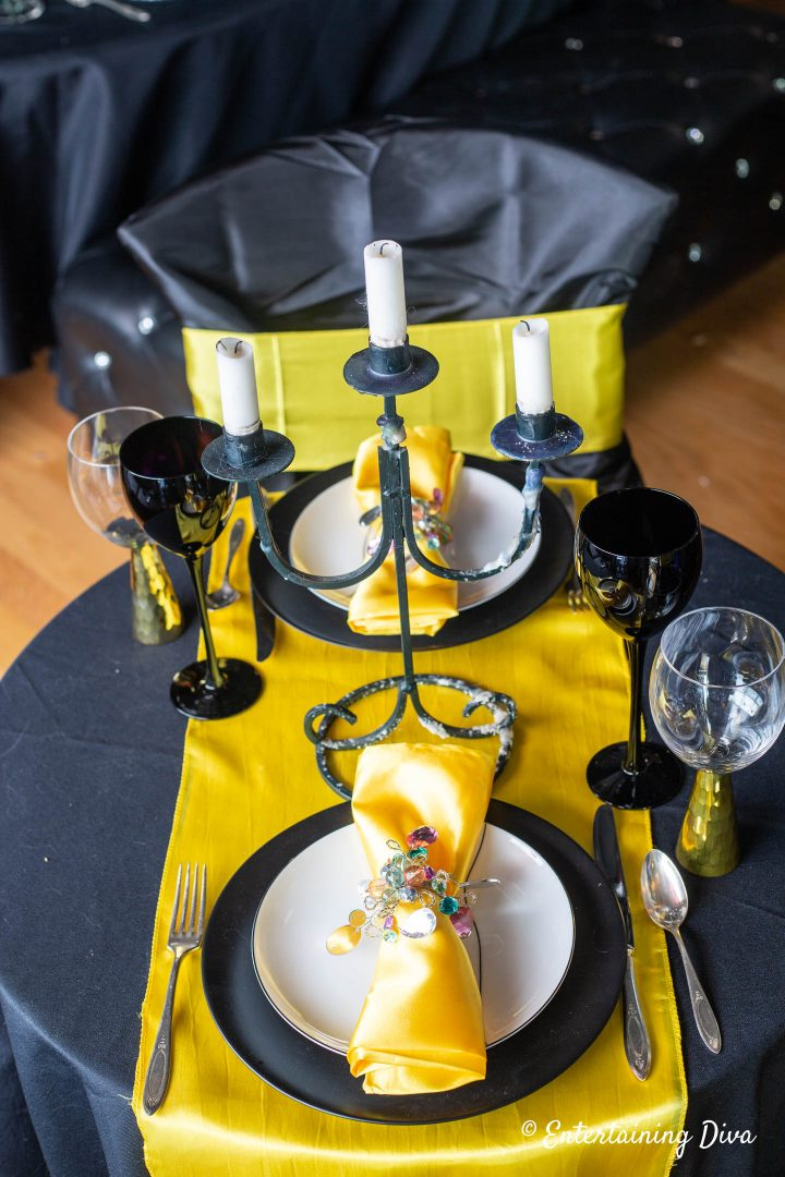 Harry Potter table decor ideas for Hufflepuff House