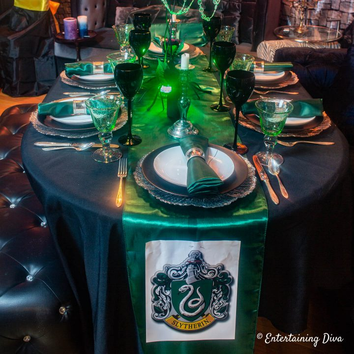 Harry Potter table decor ideas for Slytherin house