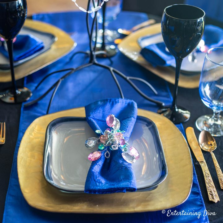 Blue and gold Ravenclaw table decor