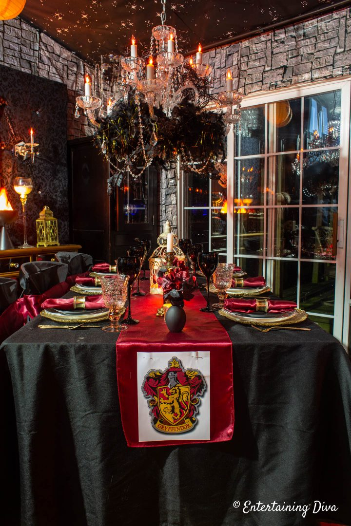 Harry Potter table decor ideas for Gryffindor house