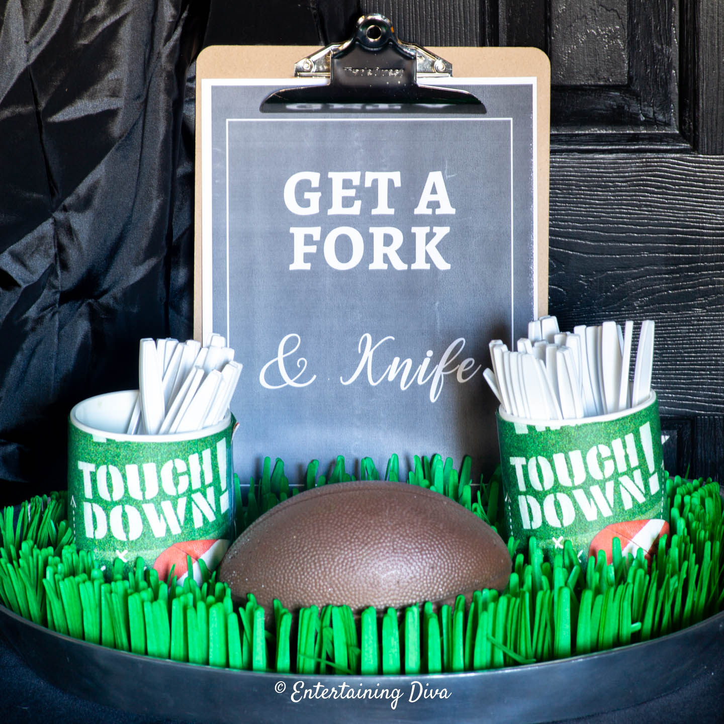 Christmas Party Game Ideas: 10 Fast & Easy Super Bowl Party Buffet Decorations