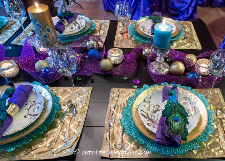 DIY Christmas centerpiece made with ribbons, Christmas ornaments and candles