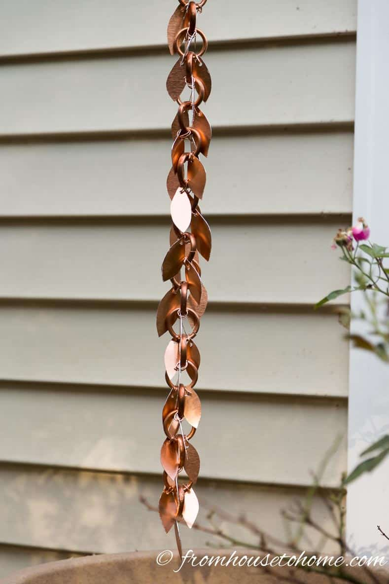 The rain chain with leaves