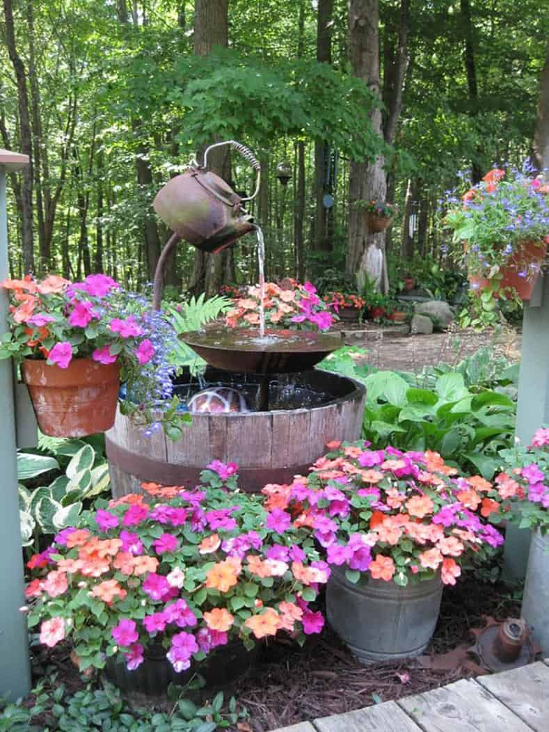 A creative water fountain from hometalk.com | Easy Ways To Add Water To Your Garden