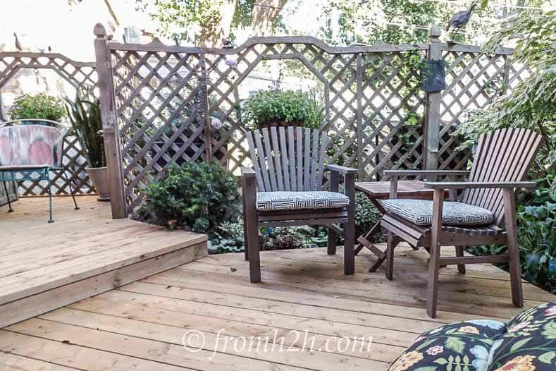 The lattice fence adds privacy | How To Create a Relaxing Deck