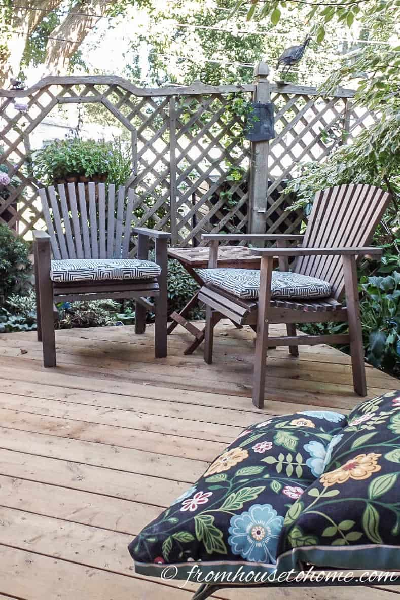 The furniture and plants around the deck | How To Create a Relaxing Deck