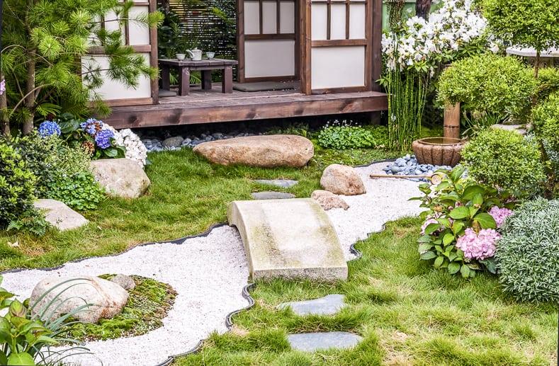 10 Elements of a Zen Japanese Garden