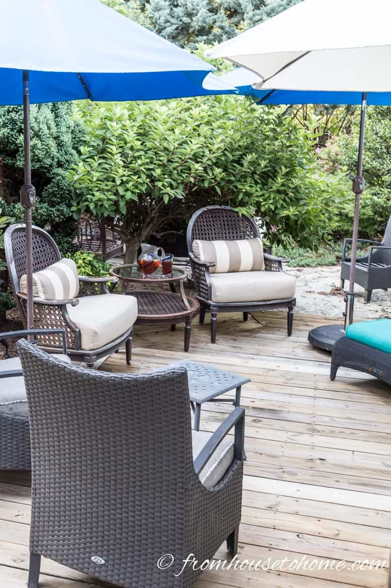 Umbrellas create shade | How To Make a Cozy Outdoor Living Space | If you want some ideas for making a zen outdoor living space, these easy tips will help you create an area that is cozy and relaxing.