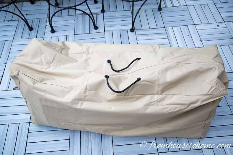 Cushion storage bag zipped up