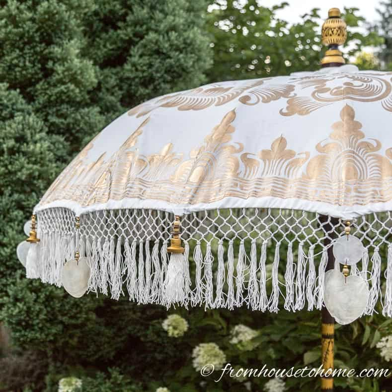 Balinese umbrella top