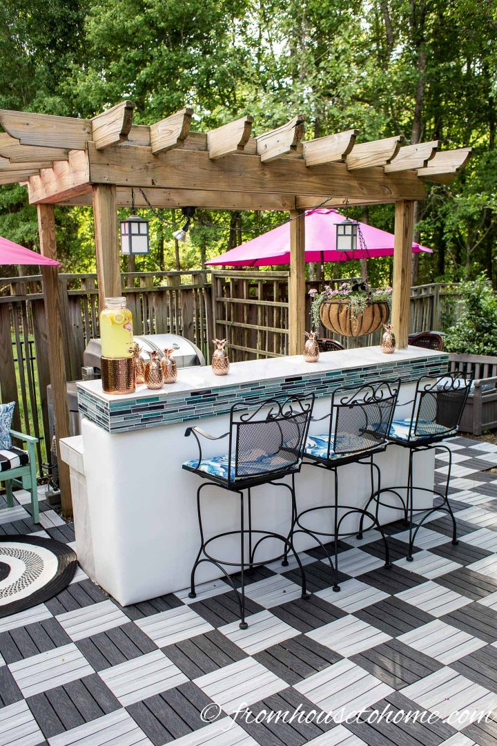 outdoor bar with a pergola