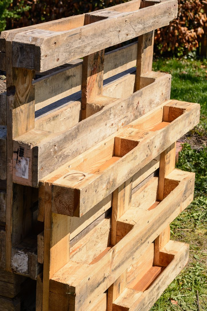 Freestanding vertical garden made from pallets