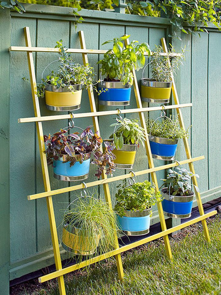 DIY trellis vertical garden via bhg.com