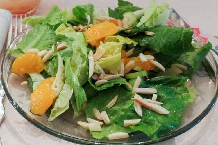 Mandarin Orange Romaine Salad | Traditional Thanksgiving Dinner Menu and Recipes, with a printable menu card (great for dressing up your Thanksgiving dinner table) and cooking schedule to help make sure everything gets done on time