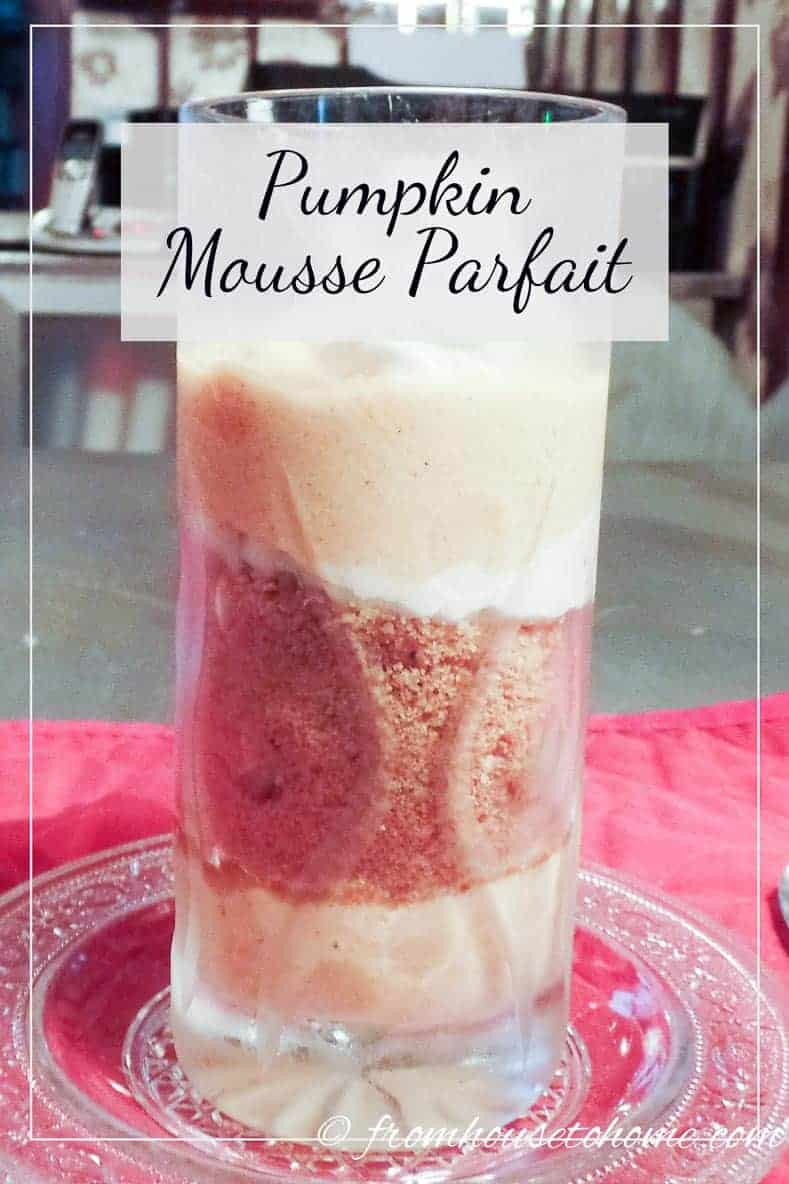 Pumpkin mousse parfait | Love pumpkin desserts but want something a little lighter than pie? Try this delicious pumpkin mousse parfait that can also be made ahead of time.