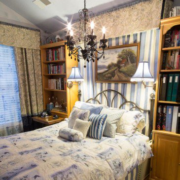 "How To Take The ""Blah"" Out of a Builder Grade Guest Bedroom"