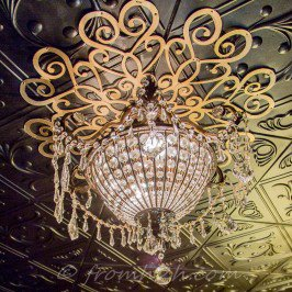 How To Make A Beautiful DIY Ceiling Medallion On A Budget