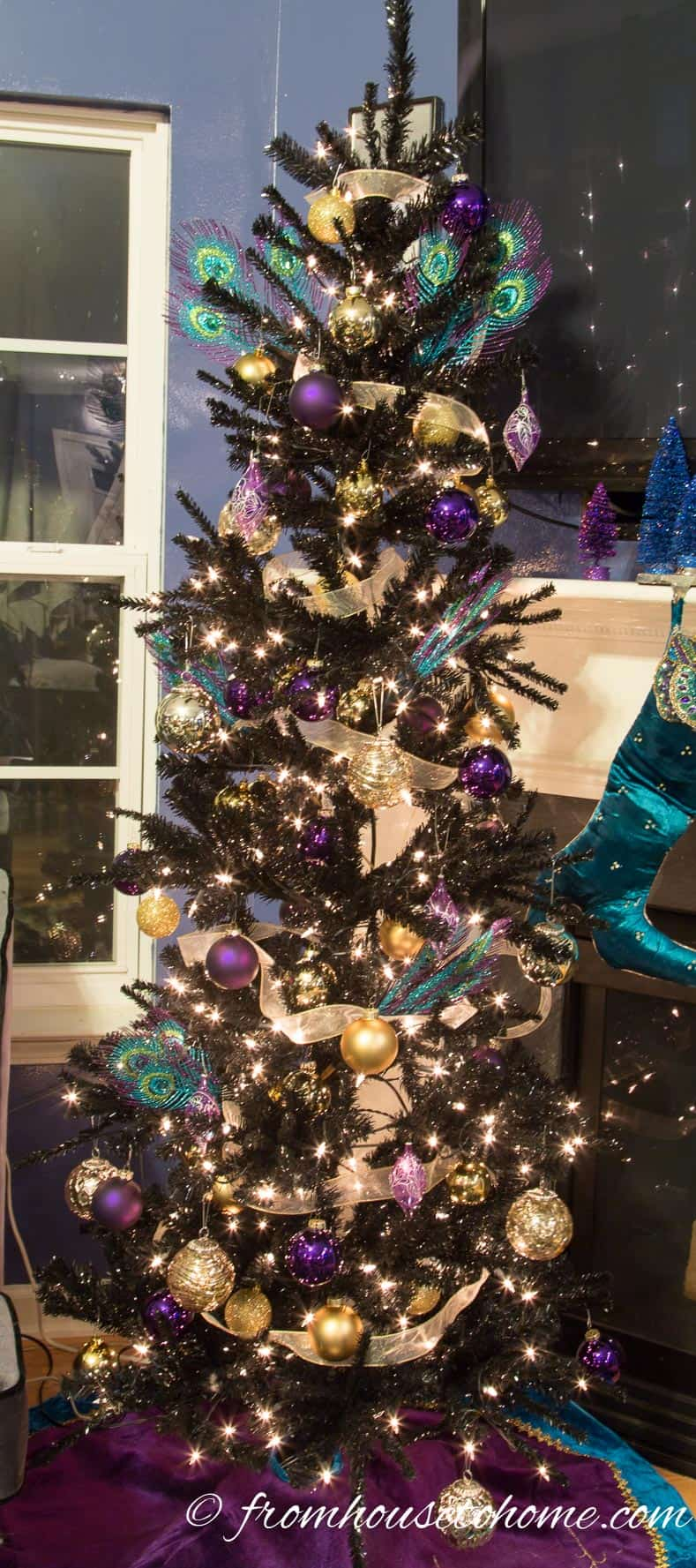 The tree with ball ornaments | How To Decorate a Beautiful Christmas Tree