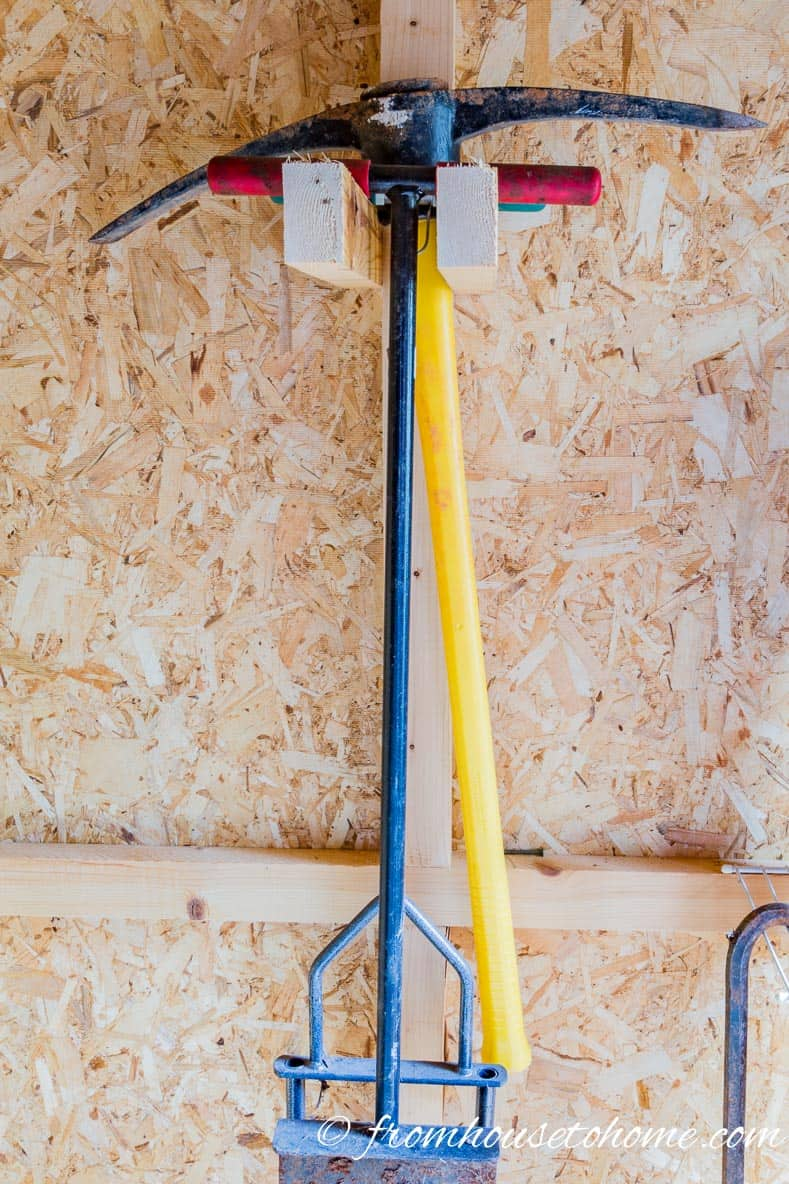 8 easy and inexpensive ways to organize garden tools for Gardening tools storage
