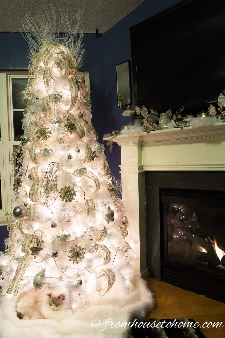 all white christmas tree glam christmas tree decorating ideas that will inspire you - White Christmas Tree Decorating Ideas