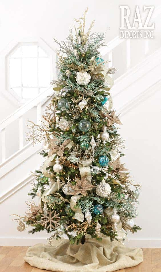 The Coastal Christmas Tree via razimports.com | 10 Creative Christmas Tree Themes To Get Inspired By