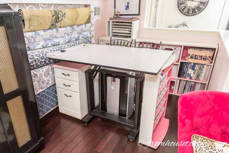 Putting the filing cabinet on wheels makes it more functional | Home Office Design Ideas: 8 Tips For A Functional and Comfortable Room | If you are looking for some home office design ideas, these tips will give you inspiration to create a functional and comfortable workspace layout.