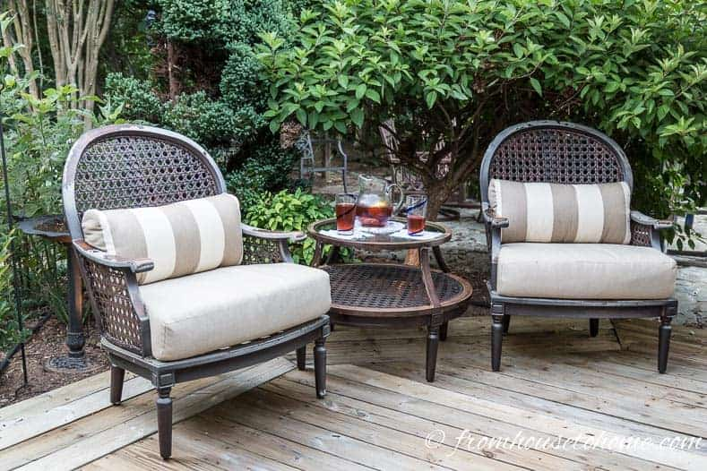 How to make a cozy outdoor living space for Creating an outdoor living space