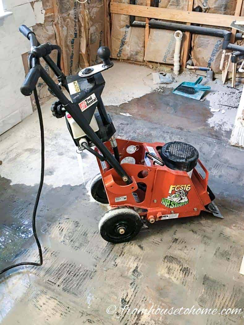 Flooring removal machine