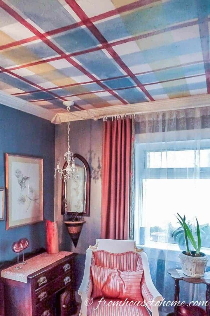 Living room with a gingham pattern painted on the ceiling