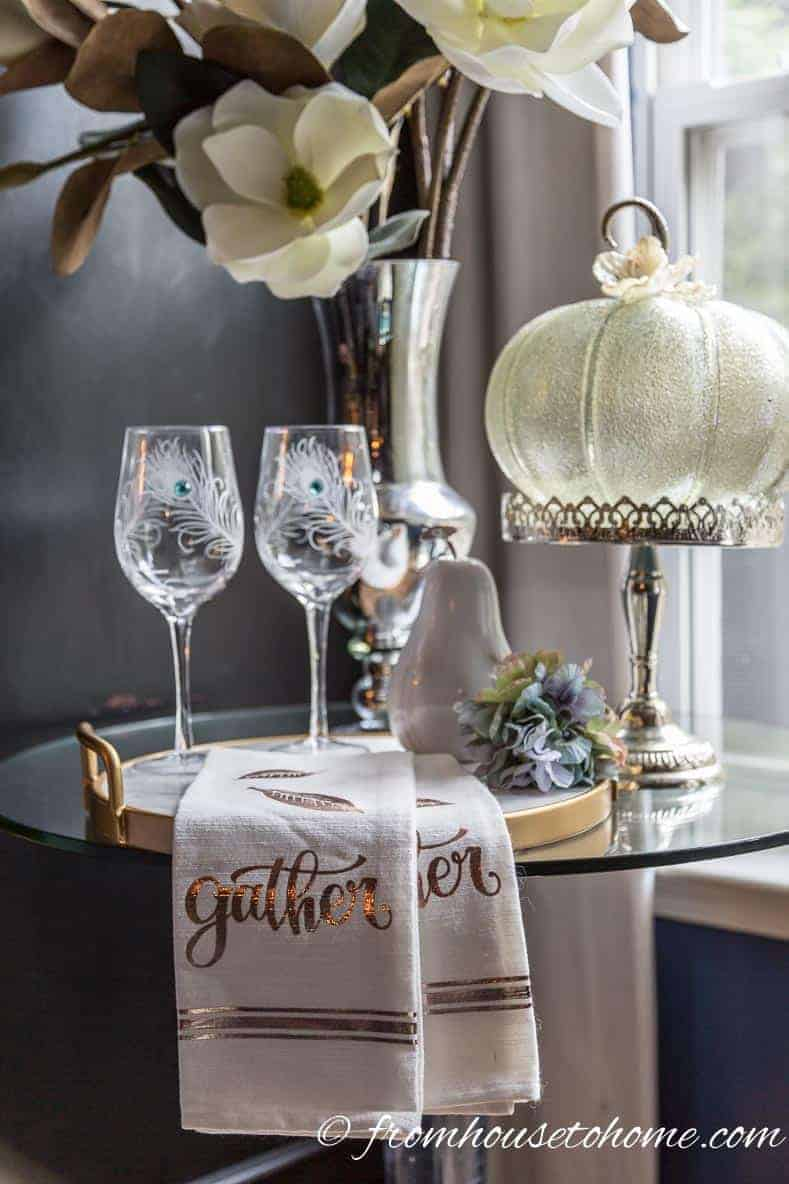 If you're looking for some autumn decorating inspiration, these easy fall room decor ideas use non traditional colors and will make your home feel cozy.