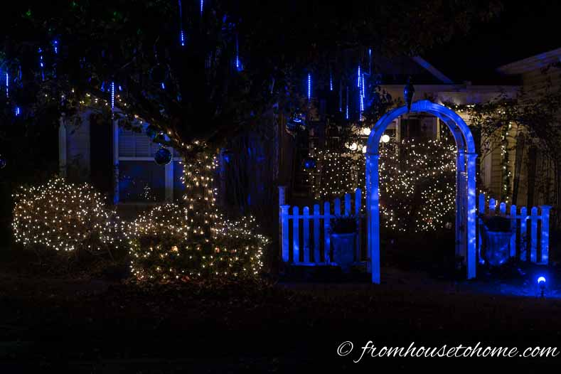 White and blue outdoor Christmas lights | Blue and white Christmas home decorating ideas