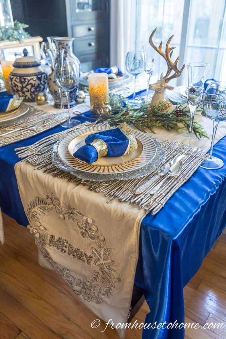 White velvet Christmas table runners | Blue and White Christmas Home Decorating Ideas