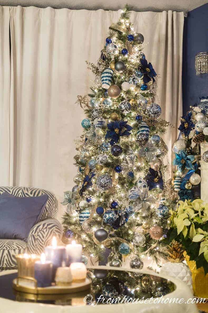 The blue and white Christmas tree | Blue and White Christmas Home Decorating Ideas
