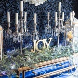 Beautiful Blue and White Christmas Home Decorating Ideas